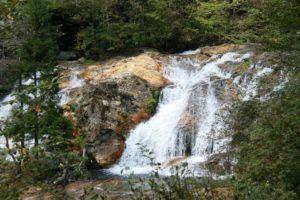 栃木の自然:霧降の隠れ三滝、ドラマにもなった隠れた名瀑