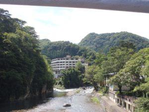 栃木の自然:塩原温泉箒川に沿って歩く
