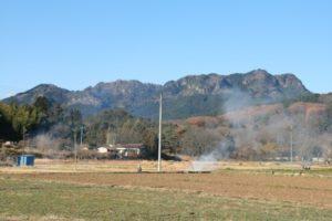 栃木の名所・旧跡:パラグライダーの基地古賀志山